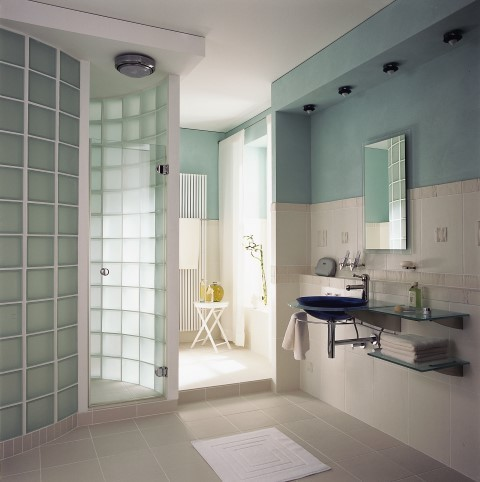 Attirant Glass Block Bathroom
