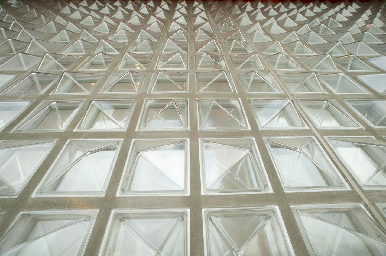 Seves product photo gallery buffalo glass block for Exterior glass walls